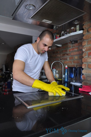 oven cleaning Moss Side