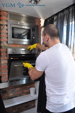 Barlow Moor oven cleaning